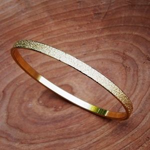 Unique Pebbled Texture Gold-Tone Monet VTG Bangle